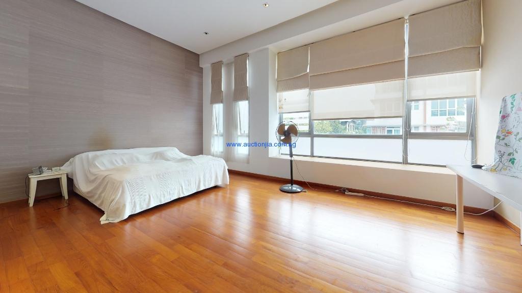 Terrace-House-Inggu-Road-Bedroom