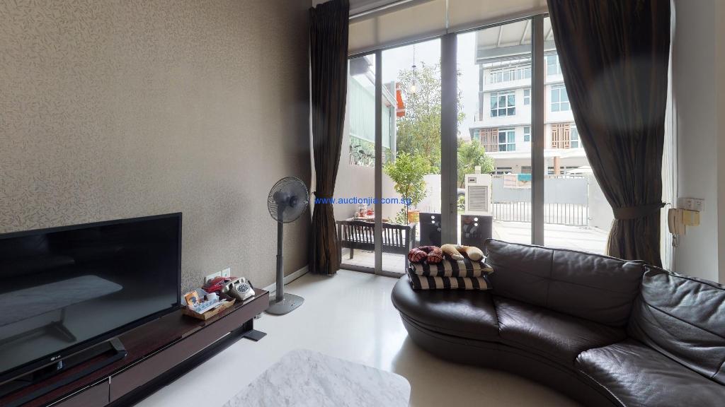 Terrace-House-Inggu-Road-Living-Room(4)